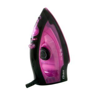 Plancha de vapor con base antiadherente rosada.